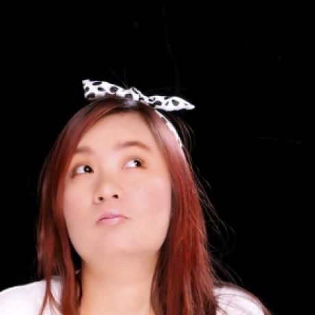 Profile picture of เส้นด้าย สีรุ้ง